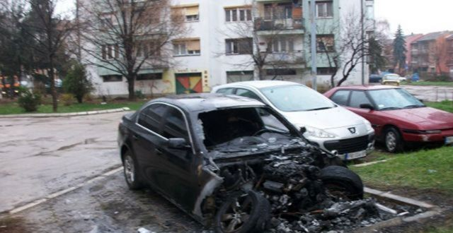 TESLIĆ-Bivšem robijašu zapaljeno vozilo