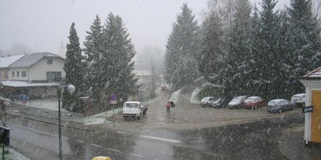 Sutra oblačno sa kišom, na planinama sa snijegom