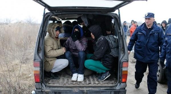 Haradinaj plakao gledajući 100.000 Albanaca kako odlazi: Najveći egzodus još od vremena Turaka