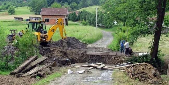 U toku radovi na izgradnji mosta preko Bežljanske rijeke