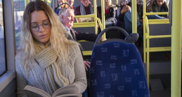 Genijalan potez: Putnici koji čitaju knjigu ne plaćaju gradski prijevoz!