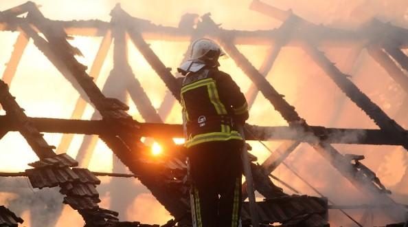 TESLIĆ –  Požar u potkrovlju kuće vlasništva trojice braće