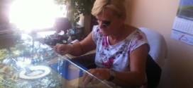 JEDINI ČASOVNIČAR U TESLIĆU: U Ankinoj radnji mušterije dijele i radost i tugu (FOTO)