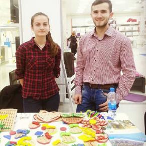 Brat i sestra iz Teslića oživjeli djedovu 'fabriku' igračaka