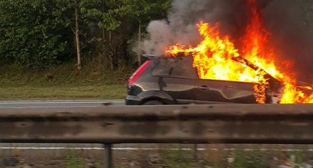 Samozapaljenje putničkog vozila