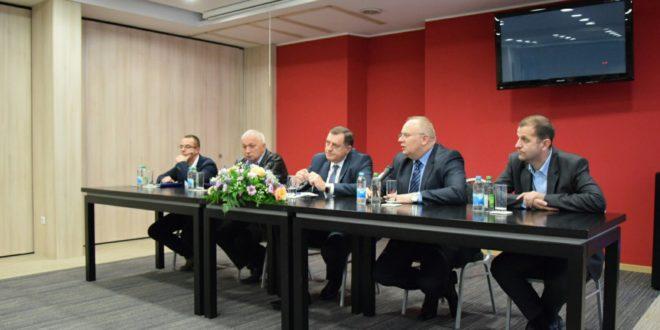 TESLIĆ: Dodik prisustvovao sastanku proširenog Opštinskog odbora SNSD-a