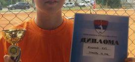 Dvanaestogodišnji Mihailo iz Teslića nova teniska nada Srpske!