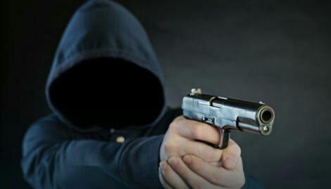 TESLIĆ – Uz prijetnju pištoljem opljačkao pumpu i odnio 10 hiljada KM
