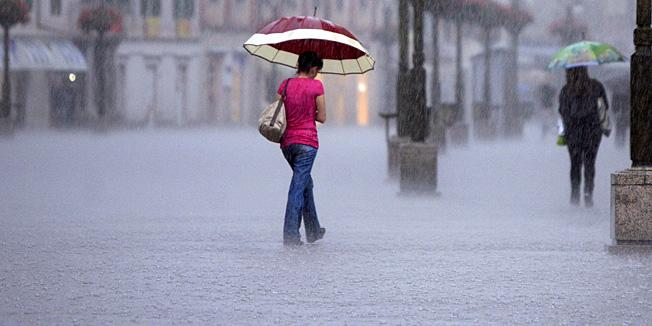 Rijeka, 12.06.2012 - Kisa u Rijeci poada vec danima, poplavio Jadranski trg